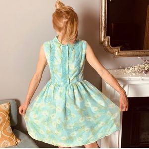 Vintage Baby Blue Daisy Dress size Small